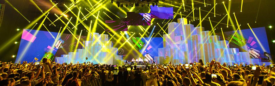 frontpictures.com_MUZ-TV_02.jpg.pagespeed.ce_.4S_eML3ZTD