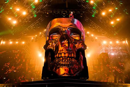 Giant Skull for Max Barskih Show